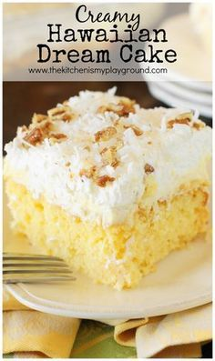 Hawaiian Dream Cake ~ a layered delight with pineapple-and-coconut laced yellow cake base, layer of creamy pineapple pudding, and freshly whipped cream and coconut topping. Coconut Pineapple Cake, Pineapple Pudding, Pineapple Desserts, Banana Pudding, Hawaiian Desserts, Pineapple Dream Cake, Pinapple Cake, Hawaiian Recipes, Pinapple Dessert Recipes