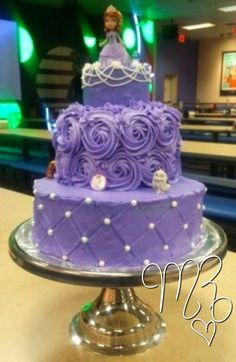 Made by me! Princess Sofia the First birthday cake. All buttercream and cake is Vanilla Almond. Sofia The First Birthday Cake, Princess Sofia The First, Princess Sophia Cake, Princess Birthday, 3rd Birthday Parties, Princess Sofia Party, Third Birthday, Birthday Ideas, Bday Girl