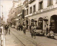 Cine Cervantes (teatro), aquí vi Lo que el viento se llevó. 1971. En la calle Amor de Dios, donde nací.