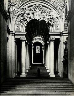 Scala Regia (1663-1666) Gian Lorenzo Bernini. Palazzo Apostolico, Vaticano.