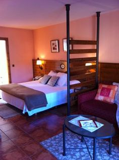 Hotel Cal Teixidó con descuento especial de 25%: http://www.ofertasydescuentos.es/Hotel-Cal-Teixido-con-descuento-especial-de-25.por..html