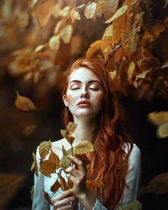 Beautiful Fine Art Portrait Photography by Ronny Garcia (teil)akt fotografie Art Photography Women, Fantasy Photography, Autumn Photography, Creative Photography, Portrait Photography, Fotografia Fine Art, Kreative Portraits, Photoshop, Foto Art