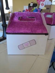 Doc mcstuffins party box