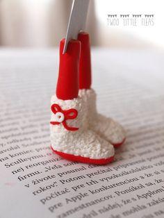 Dieses lustige Lesezeichen können Sie oder Ihre Freunde als perfekte original Geschenk amüsieren. Lesezeichen ist perfekt für echte Bücherwürmer :-)  Füße sind aus fimo und stark an feinen Cardstock angeschlossen. Wir verwenden keine Schimmel, ganze Füße bestehen aus von hand und mit Liebe :-)  Komplette Bookmark Maßnahmen 10(26 cm) schneiden wenn es zu lang ist, Sie einfach es wie Sie wollen. und Füßen misst ca. 1,57 cm (4)  Geschenk-Verpackung ist selbstverständlich.  * Farben…