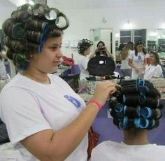 A great hair dresser also roller sets Sleep In Hair Rollers, Hair Curlers Rollers, Updo Styles, Curly Hair Styles, Natural Hair Care, Natural Hair Styles, Perm Rods, Bobe, Hair Setting