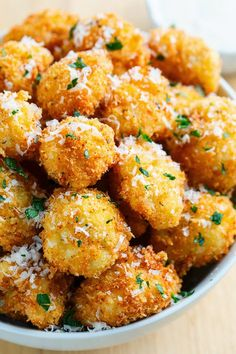 Crispy Parmesan Cauliflower Bites First up for my new snacking recipes for the Big Game (the NFL football playoffs) are these tasty little crispy parmesan cauliflower bites; Veggie Dishes, Vegetable Recipes, Vegetarian Recipes, Cooking Recipes, Healthy Recipes, Parmesan Cauliflower, Cauliflower Recipes, Deep Fried Cauliflower, Zucchini Parmesan Crisps