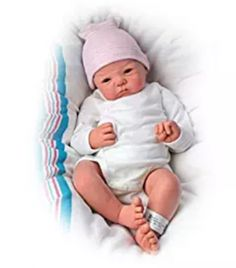 So Truly Real® reborn and newborn baby doll by artist Sandy Faber features RealTouch® vinyl skin and a baby hospital band for you to personalise Reborn Baby Girl, Cheap Reborn Baby Dolls, Reborn Babypuppen, Newborn Baby Dolls, Baby Girl Dolls, Real Life Baby Dolls, Real Doll, Ashton Drake, Wiedergeborene Babys