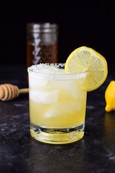 Classic Margarita Recipe, Margarita Recipes, Cocktail Recipes, Lemon Cocktails, Summer Cocktails, Tequilla Cocktails, Drink Recipes, Margarita Ingredients, Gastronomia