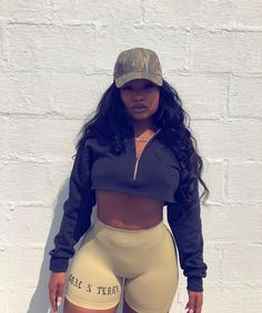 Bike 🚲 - Bike Aesthetic, Biker Shorts Outfit and Bike Art. Chill Outfits, Short Outfits, Casual Outfits, Cute Outfits, Fashion Outfits, Body Inspiration, Beautiful Black Women, Fit Black Women, Beautiful Ladies