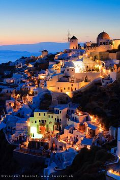 ~~Santorini dreams III | Santorini as the sun goes down, Greece | by Vincent BOURRUT~~