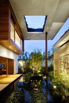 Modern House with Interior Courtyard 51 Stunning Indoor Courtyard Design Ideas Architecture Durable, Architecture Design, Green Architecture, Building Architecture, Sections Architecture, Singapore Architecture, Building Homes, Sustainable Architecture, Residential Architecture