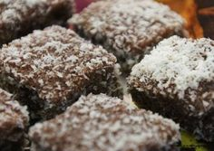 How to Make Amazing Delicious Coconut Cubes! Baking And Pastry, Christmas Cookies, Dessert Recipes, Food And Drink, Coconut, Yummy Food, Delicious Recipes, Sweets, Snacks