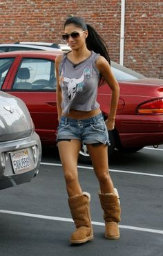Nicole Scherzinger fashion and style Cool Outfits, Summer Outfits, Casual Outfits, Destroyed Jeans, Celebrity Style, Street Style, My Style, How To Wear, Fashion Trends