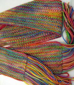 Scarf pattern for koigu yarn. Looks woven. Love linen stitch.