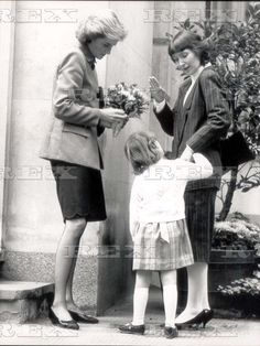 16 November 1988 Princess Diana And Deaf Children Princess Diana Meeting Five-year-old Deaf And Partially Sighted Girl Lucy Smith And Her Mother Deborah When Princess Diana Presented Awards To Young '88 Deaf Achievers