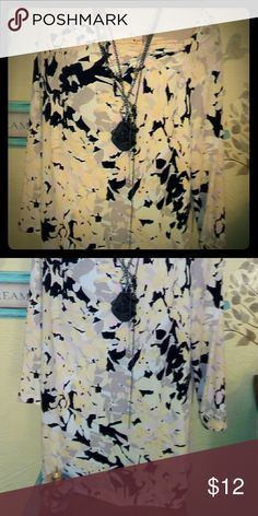 Gorgeous yellow and gray floral print top! 2X. A colorful piece to add some pop to your current items! Tag removed, but fits like a 2X! In the midst of posting many more items, in this size as well as 1, 3 and 4X! Bundles discount always available! Don't be afraid to send me an offer! And always remember, the greatest compliment is a share! Tops