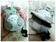 Felt Totoro earpiece / earphone holder Felt Diy, Felt Crafts, Diy And Crafts, Crafts For Kids, Earbud Holder Diy, Headphone Holder, Fundraiser Crafts, Cable Storage, Sewing Toys