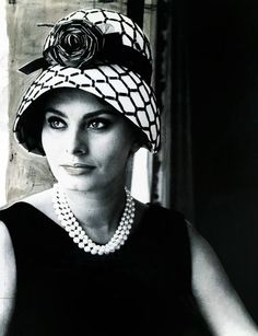Sophia Loren- great taste in hats!