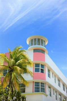 Stock Photo : Art Deco hotel facade in Miami Florida USA Hotel Art Deco, Miami Art Deco, Style Miami, Florida Images, Florida Pictures, Flying Buttress, Code Black, Art Deco Buildings, Mural Art