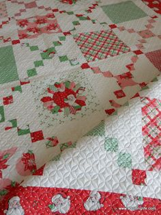 A Swell Christmas Quilt | A Quilting Life - a quilt blog Pot Luck quilt pattern by Sherri McConnell of A Quilting LIfe with Swell Christmas fabric by Urban Chiks for Moda fabrics. #christmasquilt