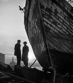Children and barge drawn up on the embankment at Uksuder, 1954,  photo by Ara Güler (please repin with photographers credits)