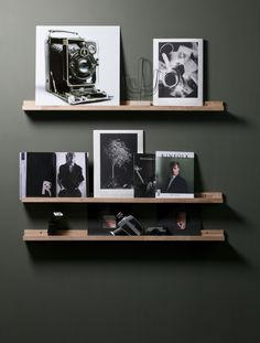 Wall inspiration, photo frame shelf - Home Accessories Best of 2019 Inspiration Wall, Living Room Inspiration, Picture Shelves, Photo Shelf, Picture Ledge, Creative Wall Painting, Frame Shelf, Living Room Storage, Small Furniture