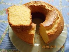 Receitinha deliciosa e fácil de bolo de liquidificador.Clique 2 vezes na foto para ver Other Recipes, Sweet Recipes, Cake Recipes, Corn Cakes, Bagel, Vanilla Cake, Cupcake Cakes, Deserts, Food And Drink