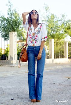 I am in love with this top, the whole outfit is classic.