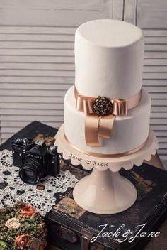 Feliratos mázas kerámia tortatál   Jack&Jane tortaállványok