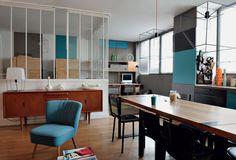 Хозяева Клэр Эскалон и Николя Ланно живут на 72 м² практически без перегородок.
