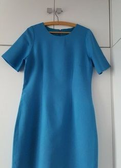 Kup mój przedmiot na #vintedpl http://www.vinted.pl/damska-odziez/krotkie-sukienki/16446782-sukienka-royal-blue-welna-prosta-minimalizm-kolor