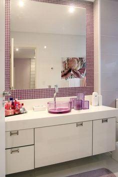 Apartamento Vila Rica Santos : Banheiros modernos por Lucia Navajas -Arquitetura & Interiores