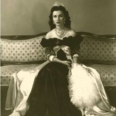 Fawzia Fuad, Princess of Egypt, Queen of Iran, wearing a necklace, earrings and tiara commissioned from Van Cleef & Arpels, c.1939 #greatjewelrycollectors
