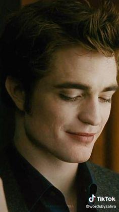 Twilight Movie Scenes, Twilight Videos, Twilight Saga Books, Twilight Quotes, Twilight Edward, Edward Bella, Twilight Pictures, Robert Pattinson Twilight, Robert Pattinson And Kristen