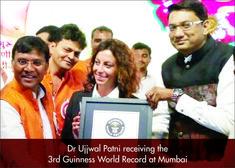 Dr Ujjwal Patni reciving the 3rd guiness world record Mumbai