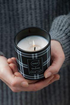 Intensywny i elegancki, delikatnie orientalny i przytulny, po prostu idealny, a dodatkowo jeden z ulubionych zapachów Doroty. Więcej o tym i wielu innych zapachach przeczytacie i usłyszycie na naszej stronie.