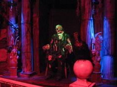 Mr. Bones    www.RaycliffManor.com    - Raycliff Manor Haunted Attraction / Haunted House  San Diego, CA