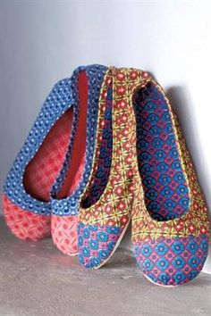 DIY shwe-shwe shoes inspired by the South African fabric. Deze doet het ook :D