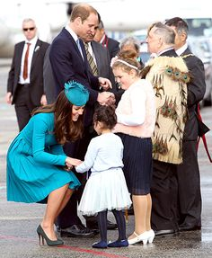 Meet and Greet Kate Middleton and Prince William at the official greeting at Dunedin International Airport on April 13, 2014 in Dunedin, New Zealand.   Read more: http://www.usmagazine.com/celebrity-news/pictures/kate-middleton-prince-william-prince-georges-royal-tour-of-new-zealand-and-australia-201494/37428#ixzz2zXRjQ1Y0  Follow us: @Us Weekly on Twitter | usweekly on Facebook