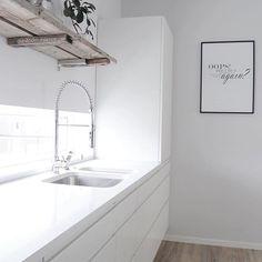 Piro em cozinha clean, e vocês curtem? ✨😍 . via @astridm.interior . #morandosozinha