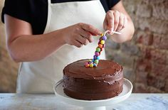 Learn how to make a gravity defying cake, perfect as a birthday cake or for any other special occasion. Find more cake recipes at Tesco Real Food now.