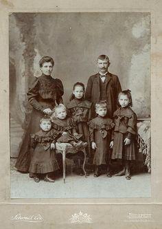 Family: http://www.flickr.com/photos/37578663@N02/4405510793/