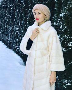 Ну чем я не Снегурка🙋🏼♀️ 🎄 В @braschifur 🤩 #полинагагарина #гагаринапоехали #снегурка