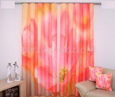 Zasłony gotowe w kolorze różowym w kwiaty