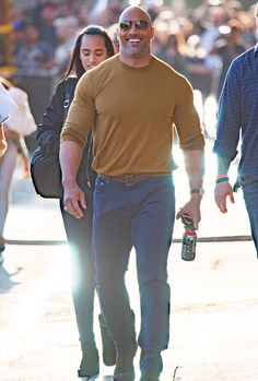 15 Times Dwayne 'The Rock' Johnson Laid The Style Smackdown The Effective Pictures We Offer You About Rock Style makeup A quality picture can tell you many things. The Rock Dwayne Johnson, Rock Johnson, Dwayne The Rock, Hot Summer Outfits, Bald Man, Hunks Men, Hollywood, Muscular Men, Mature Fashion