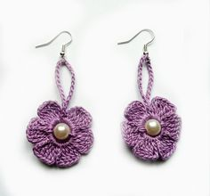 Púrpura del ganchillo pendientes ganchillo Flor por atinqnka