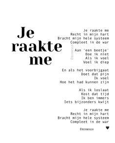 """Brievenbusgeluk op Instagram: """"• Je raakte me • ©️ . #gedichtjesvanbrievenbusgeluk . Dit gedicht staat samen met nog heel veel andere gedichten in mijn pas verschenen…"""" Wall Quotes, Book Quotes, Words Quotes, Wise Words, Me Quotes, Dutch Words, Silly Me, Daddy Quotes, Great Words"""