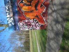 graffiti op een skate baan (fantasie, bovenkast, cursief)