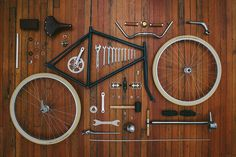 Fixed Gear , the bike in its simplest form. Velo Retro, Velo Vintage, Vintage Bikes, Retro Bike, Velo Design, Bicycle Design, Bmx, Bike Motor, Things Organized Neatly