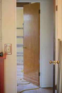 Hollow Core Door Makeover Color Schemes 20 Ideas For 2019 Hollow Core Door Makeover, Interior, Cheap Interior Doors, Refinish Door, Interior Door Colors, Stained Doors, Wood Doors Interior, Brown Interior Doors, Old Doors